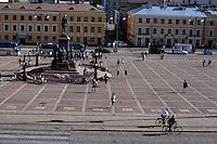 La Piazza del Senato al centro  la statua di Alessandro II di Russia.<br /> The Senate Square in the center the statue of Alexander II of Russia.