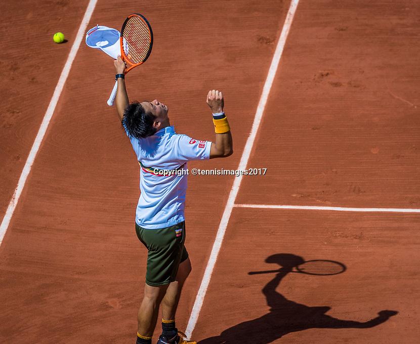 Paris, France, 5 June, 2017, Tennis, French Open, Roland Garros,  Kei Nishikori (JPN) jubilates his victory over Verdasco.<br /> Photo: Henk Koster/tennisimages.com