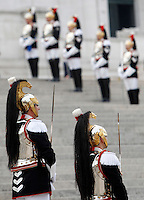 Corazzieri schierati all'Altare della Patria in occasione di una cerimonia per la celebrazione della Giornata delle Forze Armate, a Roma, 4 novembre 2015.<br />