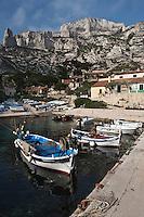 Europe/France/Provence-Alpes-Côte d'Azur/13/Bouches-du-Rhône/Marseille: Calanque de Sormiou - Pointus au port