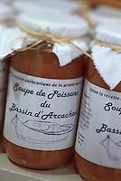"""Europe/France/Aquitaine/33/Gironde/Bassin d'Arcachon/Arcachon: Bocaux de soupe de poissons du Bassin d'Arcachon - Boutique """"Le Bec Fin"""" 19 av Gambetta"""