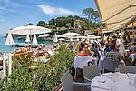 France, Provence-Alpes-Côte d'Azur, peninsula Cap Ferrat between Villefranche-sur-Mer and Beaulieu-sur-Mer, Saint-Jean-Cap-Ferrat: Paloma Beach at bay Anse de la Scaletta - Restaurant | Frankreich, Provence-Alpes-Côte d'Azur, Halbinsel Cap Ferrat zwischen Villefranche-sur-Mer und Beaulieu-sur-Mer, Saint-Jean-Cap-Ferrat: Paloma Beach in der Bucht Anse de la Scaletta - Restaurant