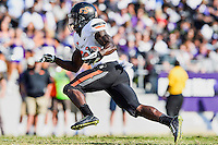 Oklahoma State tailback Tyreek Hill (24) rushes with the ball during first half of an NCAA football game, Saturday, October 18, 2014 in Fort Worth, Tex. TCU defeated Oklahoma State 42-9. (Mo Khursheed/TFV Media via AP Images)