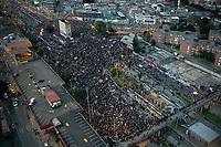 BOGOTA - COLOMBIA, 15-05-2021: Vista aérea de los manifestantes congregados en el sector de Los Héroes de la ciudad de Bogotá durante el día 18 del Paro Nacional en Colombia hoy, 15 de mayo de 2021, para protestar por la reforma tributaria que adelanta el gobierno de Ivan Duque además de la precaria situación social y económica que vive Colombia. El paro fue convocado por sindicatos, organizaciones sociales, estudiantes y la oposición. / Aerial view of protesters gathered in the Los Héroes sector of the city of Bogota during the day 18 of the National strike in Colombia today, May 15, 2021, to protest the tax reform carried out by the government of Ivan Duque in addition to the precarious social and economic situation that Colombia is experiencing. The strike was called by unions, social organizations, students and the opposition in Colombia. Photo: VizzorImage / Diego Cuevas / Cont