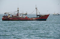 SENEGAL, Dakar, Atlantic ocean, deep sea fishing, trawler / SENEGAL, Atlantik, Hochsee Fischerei, Trawler an der Küste von Dakar