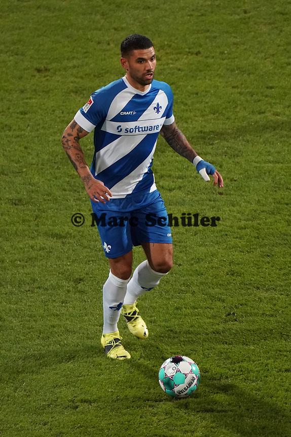 Victor Palsson (SV Darmstadt 98)<br /> <br /> - 26.02.2021 Fussball 2. Bundesliga, Saison 20/21, Spieltag 23, SV Darmstadt 98 - Karlsruher SC, Stadion am Boellenfalltor, emonline, emspor, <br /> <br /> Foto: Marc Schueler/Sportpics.de<br /> Nur für journalistische Zwecke. Only for editorial use. (DFL/DFB REGULATIONS PROHIBIT ANY USE OF PHOTOGRAPHS as IMAGE SEQUENCES and/or QUASI-VIDEO)