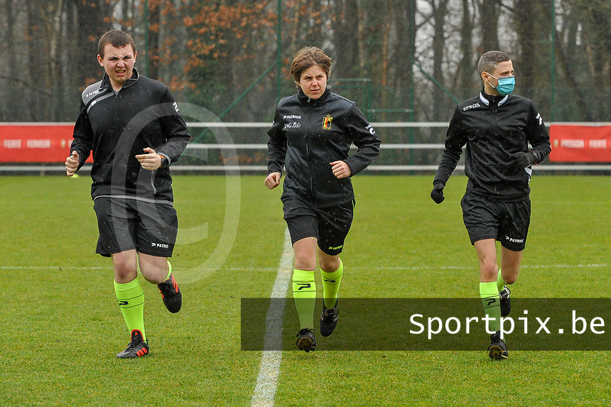 assistant referee Romain Delree , referee Sylvie Deckers , assistant referee Geoffrey Quaranta pictured before a female soccer game between Standard Femina de Liege and Eendracht Aalst on the 12 th matchday of the 2020 - 2021 season of Belgian Scooore Womens Super League , saturday 30 th of January 2021 in Angleur , Belgium . PHOTO SPORTPIX.BE | SPP | STIJN AUDOOREN