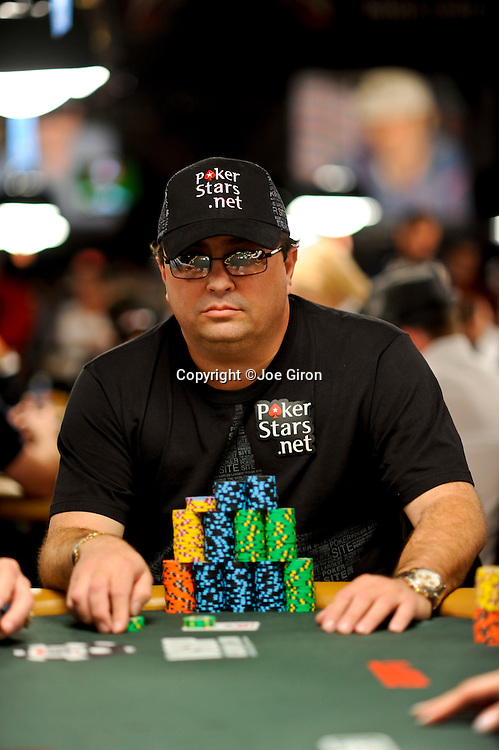 Pokerstars qualifier Juan Naranja of Miami with a big stack in level 7.