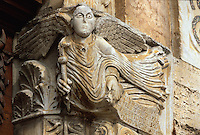 Italien, Umbrien, Portal von San Michele Arcangelo in Bevagna