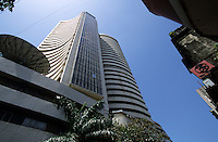 INDIA, Mumbai, stock exchange in Dalal Street / INDIEN, Mumbai, indische Boerse