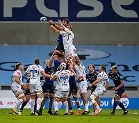 21st August 2020; AJ Bell Stadium, Salford, Lancashire, England; English Premiership Rugby, Sale Sharks versus Exeter Chiefs; Lood de Jager of Sale Sharks and Jonny Gray of Exeter Chiefs fight for the ball in a lineout