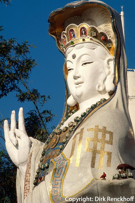 Statue der Kwun Yum im Tempel vor dem LifeGuard-Club, Hongkong-Repulsebay, China