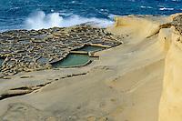 Salzpfannen aus dem 18.Jh. bei Qbajjar auf Gozo, Malta, Europa