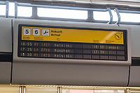 China hat am Dienstag den 10. Juli 2018 die Witwe von Friedensnobel-Preistraeger und Schriftsteller Liu Xianbin freigelassen. Liu Xia stand seit 2010 unter Hausarrest und flog noch am Tag ihrer Freilassung nach Deutschland.<br /> Am Flughafen in Berlin Tegel warteten dutzende Journalisten und einige Mitglieder der Menschenrechtsorganisation Amnesty International auf Liu Xia. Sie wurde jedoch ueber den nichtoeffentlichen Teil des Flughafens abgeholt.<br /> 10.7.2018, Berlin<br /> Copyright: Christian-Ditsch.de<br /> [Inhaltsveraendernde Manipulation des Fotos nur nach ausdruecklicher Genehmigung des Fotografen. Vereinbarungen ueber Abtretung von Persoenlichkeitsrechten/Model Release der abgebildeten Person/Personen liegen nicht vor. NO MODEL RELEASE! Nur fuer Redaktionelle Zwecke. Don't publish without copyright Christian-Ditsch.de, Veroeffentlichung nur mit Fotografennennung, sowie gegen Honorar, MwSt. und Beleg. Konto: I N G - D i B a, IBAN DE58500105175400192269, BIC INGDDEFFXXX, Kontakt: post@christian-ditsch.de<br /> Bei der Bearbeitung der Dateiinformationen darf die Urheberkennzeichnung in den EXIF- und  IPTC-Daten nicht entfernt werden, diese sind in digitalen Medien nach §95c UrhG rechtlich geschuetzt. Der Urhebervermerk wird gemaess §13 UrhG verlangt.]