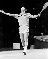 Connors; Jimmy <br /> <br /> Bezant, Graham<br /> Picture, 1977<br /> <br /> 1976<br /> <br /> PHOTO : Graham Bezant - Toronto Star Archives - AQP