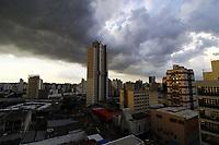 Campinas (SP), 09/03/2021 -  Clima/tempo - Nuvens carregadas e chuva no final da tarde desta segunda feira (8) em Campinas