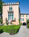 Italy, Veneto, Lake Garda, Bardolino: Villa Terzi | Italien, Venetien, Gardasee, Bardolino: Villa Terzi an der Seepromenade gelegen