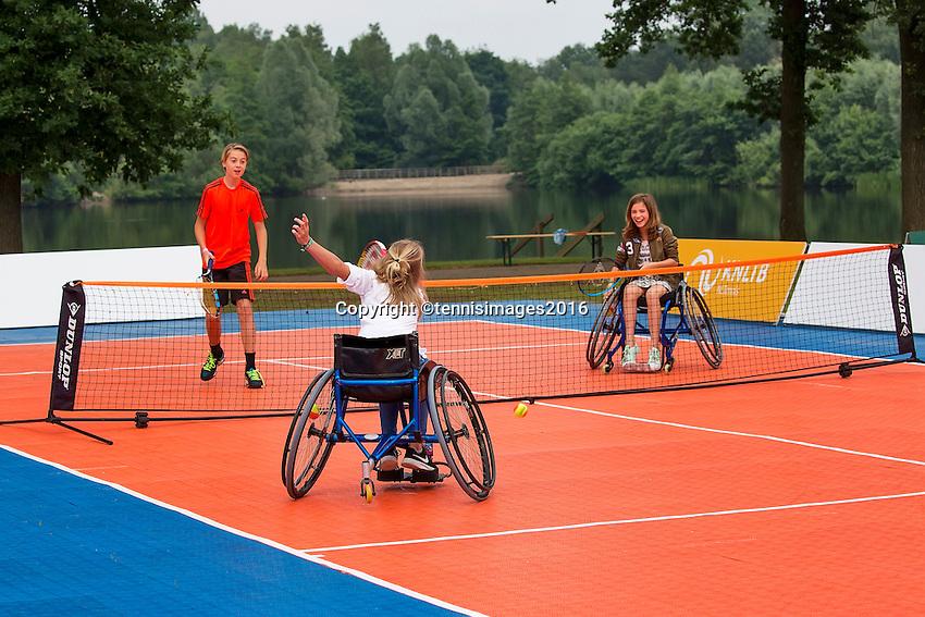 Den Bosch, Netherlands, 12 June, 2016, Tennis, Ricoh Open, KNLTB Plaza<br /> Photo: Henk Koster/tennisimages.com