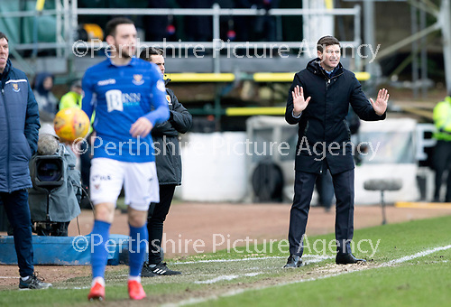 St Johnstone v Rangers…..23.02.20   McDiarmid Park   SPFL<br />Steven Gerrard tries to get his players to push up<br />Picture by Graeme Hart.<br />Copyright Perthshire Picture Agency<br />Tel: 01738 623350  Mobile: 07990 594431