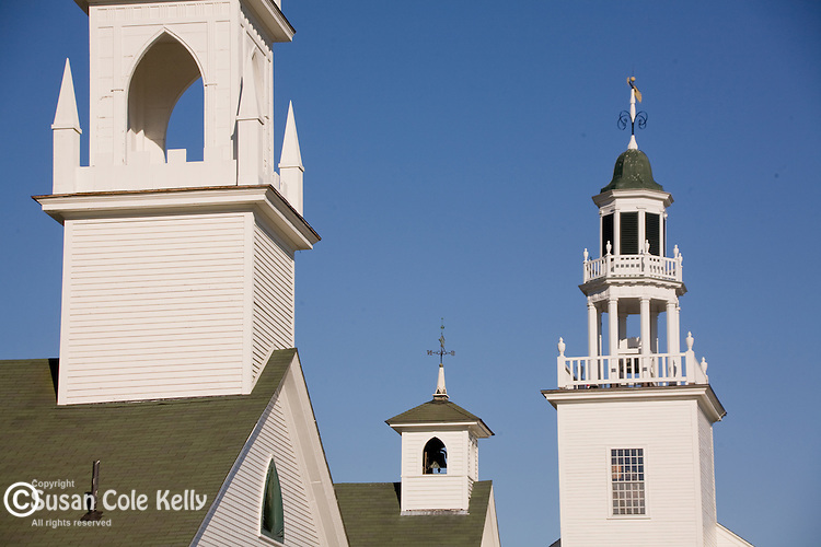 Pristine white buildings form the historicdistrict in the town center of Washington, Dartmouth-Lake Sunapee Region, NH