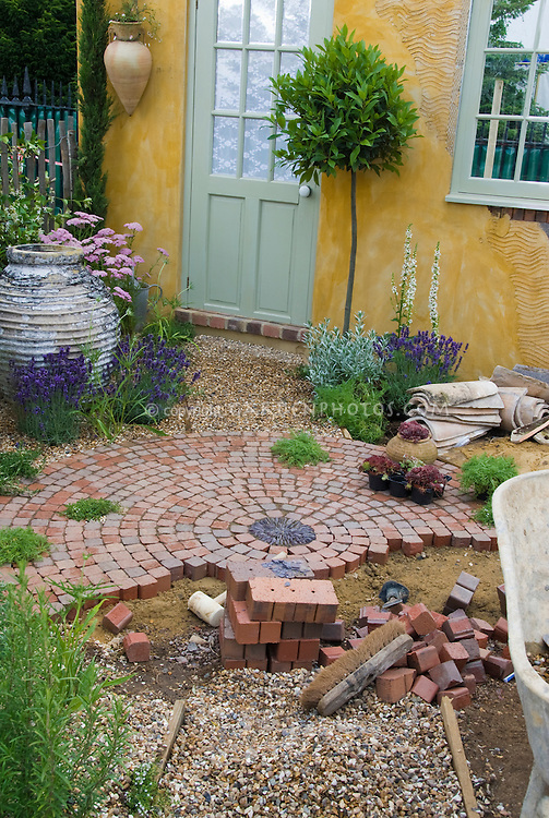 Building a patio with brick pavers