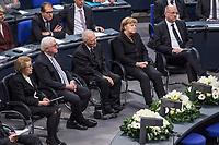 Staatsakt fuer den am 4. Januar 2018 verstorbenen ehemaligen Bundestagspraesident Dr. Philipp Jenninger am Donnerstag den 17. Januar 2018 im Deutschen Bundestag.<br /> Im Bild vlnr: Witwe Jenninger; Bundespraesident Frank-Walter Steinmeier; Bundestagspraesident Wolfgang Schaeuble; Bundeskanzlerin Angela Merkel; Andreas Vosskuhle, Praesident des Bundesverfassungsgericht.<br /> 18.1.2018, Berlin<br /> Copyright: Christian-Ditsch.de<br /> [Inhaltsveraendernde Manipulation des Fotos nur nach ausdruecklicher Genehmigung des Fotografen. Vereinbarungen ueber Abtretung von Persoenlichkeitsrechten/Model Release der abgebildeten Person/Personen liegen nicht vor. NO MODEL RELEASE! Nur fuer Redaktionelle Zwecke. Don't publish without copyright Christian-Ditsch.de, Veroeffentlichung nur mit Fotografennennung, sowie gegen Honorar, MwSt. und Beleg. Konto: I N G - D i B a, IBAN DE58500105175400192269, BIC INGDDEFFXXX, Kontakt: post@christian-ditsch.de<br /> Bei der Bearbeitung der Dateiinformationen darf die Urheberkennzeichnung in den EXIF- und  IPTC-Daten nicht entfernt werden, diese sind in digitalen Medien nach §95c UrhG rechtlich geschuetzt. Der Urhebervermerk wird gemaess §13 UrhG verlangt.]
