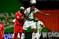 MEDELLIN-COLOMBIA, 18-10-2020: Jefferson Duque de Atletico Nacional y Marlon Torres de America de Cali disputan el balon, durante partido de la fecha 15 entre Atletico Nacional y America de Cali, por la Liga BetPLay DIMAYOR 2020, jugado en el estadio Atanasio Girardot de la ciudad de Medellin. / Jefferson Duque of Atletico Nacional and Marlon Torres of America de Cali figth for the ball, during a match of the 15th date between Atletico Nacional and America de Cali, for the BetPLay DIMAYOR League 2020 played at the Atanasio Girardot Stadium in Medellin city. / Photo: VizzorImage / Luis Benavides / Cont.
