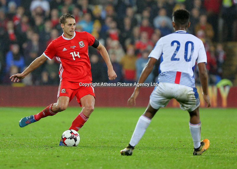 David Edwards of Wales (L) during the international friendly soccer match between Wales and Panama at Cardiff City Stadium, Cardiff, Wales, UK. Tuesday 14 November 2017.