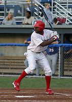 July 28, 2003:  Outfielder Michael Bourn of the Batavia Muckdogs, Class-A affiliate of the Philadelphia Phillies, during a NY-Penn League game at Dwyer Stadium in Batavia, NY.  Photo by:  Mike Janes/Four Seam Images
