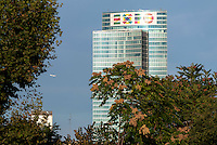 Milano, il grattacielo sede della Regione Lombardia con il logo dell'Esposizione Universale 2015 --- Milan, the skyscraper headquarter of Lombardy Region authority with the logo of World Exposition 2015