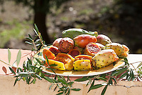 Echter Feigenkaktus, frische Früchte in einer Schale, Kaktusfeige, Feigen-Kaktus, Kaktus-Feige, essbare Frucht, Früchte, Opuntien, Kaktus, Kakteen, Opuntia ficus-indica, Opuntia ficus indica, Opuntia ficus-barbarica, Indian fig opuntia, barbary fig, cactus pear, prickly pear, Prickley pear, cactus
