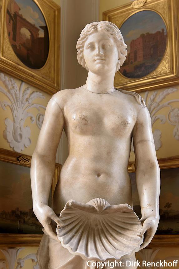 Venus-Statue im Wörlitzer Schloss , Parkanlage Wörlitzer Garten, Sachsen-Anhalt, Deutschland, Europa, UNESCO-Weltkuturerbe<br /> Statue of Venus in Wörlitz Palace, Wörlitz Gardens, Saxony-Anhalt, Germany, Europe, UNESCO-World Heritage