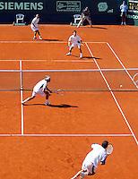 16-7-06,Scheveningen, Siemens Open, doubles final, Navarro and Garcia-Lopez defeat Gicquel and Roger-Vasselin(back)