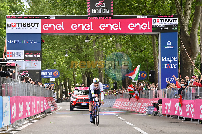 World Champion Filippo Ganna (ITA) Ineos Grenadiers crosses the line and wins Stage 1 of the 2021 Giro d'Italia, and individual time trial running 8.6km around Turin, Italy. 8th May 2021.  <br /> Picture: LaPresse/Massimo Paolone | Cyclefile<br /> <br /> All photos usage must carry mandatory copyright credit (© Cyclefile | LaPresse/Massimo Paolone)