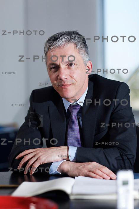 Portrait und Interview mit dem neuen Bundesanwalt Michael Lauber (Amtsperiode 2012-2015) im Hauptsitz der Bundesanwaltschaft an der Taubenstrasse 16 in Bern, am Montag 02.04.12 ..Copyright © Zvonimir Pisonic