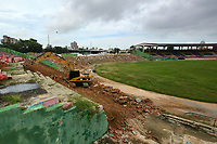 BARRANQUILLA - COLOMBIA, 15-11-2016: Inicio de las obras de remodelación del Estadio Romelio Martinez de la ciudad de Barranquilla. El estadio Romelio Martínez es un estadio deportivo ubicado en la calle 72 y la Avenida 46 en la ciudad colombiana de Barranquilla. Tiene una capacidad de 20,000 espectadores y tiene el nombre del famoso atleta de Barranquilla en las décadas de 1930 y 1940. / Start o the works of the remodeling of the Romelio Martinez stadium in Barranquilla city. Romelio Martínez Stadium, is a sports stadium located at 72 street and 46 Avenue in the Colombian city of Barranquilla. It has a capacity of 20,000 spectators and have the name of the famous athlete from Barranquilla in the decades of the 1930 and 1940. Photo: VizzorImage / Alfonso Cervantes / Cont