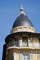 Europe/France/Provence-Alpes-Côte d'Azur/06/Alpes-Maritimes/Nice: Détail toiture immeuble