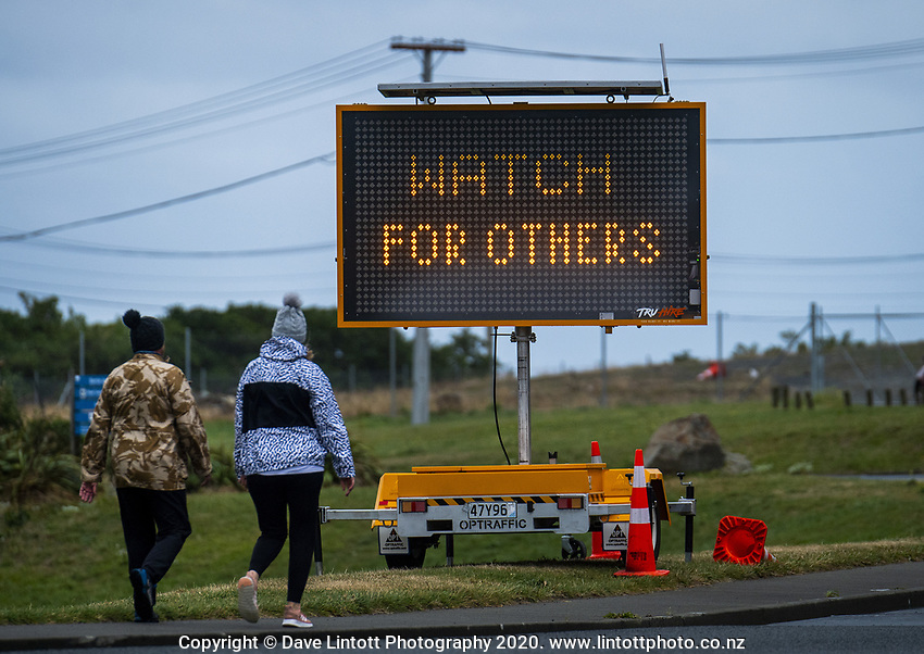 Lyall Bay at 1pm, Monday during lockdown for the COVID19 pandemic in Wellington, New Zealand on Monday, 27 April 2020. Photo: Dave Lintott / lintottphoto.co.nz