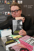Douglas Kennedy:Salon du livre Porte de versaille Paris 25/03/2017