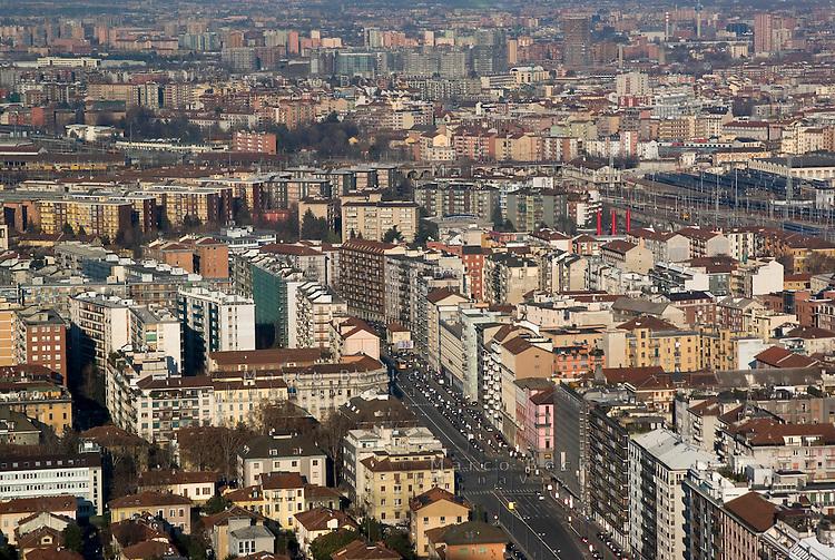 milano, veduta verso nord dal grattacielo nuova sede della regione lombardia --- milan, view to the north from the new skyscraper headquarter of Lombardy Region authority