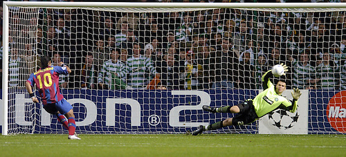 14TH SEP 2004, CELTIC V BARCELONA CHAMPIONS LEAGUE TIE AT CELTIC PARK, DAVID MARSHALL SAVES PENALTY FROM RONALDINHO, ROB CASEY PHOTOGRAPHY.