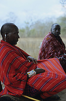 "Afrika Tansania Tanzania Indigene Völker Nomaden Massai Masai Maassai Krieger Männer im Kral - Afrikaner afrikanisch Ureinwohner Stamm xagndaz | .Africa Tanzania Nomads Massai man men warrior in Kral - Indigenous people Tribe tribals third world african | .[copyright  (c) agenda / Joerg Boethling , Veroeffentlichung nur gegen Honorar und Belegexemplar an / royalties to: agenda  Rothestr. 66  D-22765 Hamburg  ph. ++49 40 391 907 14   e-mail: boethling@agenda-fototext.de   www.agenda-fototext.de  Bank: Hamburger Sparkasse BLZ 200 505 50 kto. 1281 120 178  IBAN: DE96 2005 0550 1281 1201 78 BIC: ""HASPDEHH""] [#0,26,121#]"