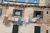 - Venice, house in the Arsenal district....- Venezia, casa nel sestiere dell'Arsenale