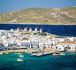 Greece, Cyclades, Mykonos: View over Harbour | Griechenland, Kykladen, Mykonos: Blick ueber Mykonos-Stadt und den Hafen
