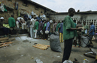 BURUNDI Bujumbura, notorious prison Mpimba where Tutsi, Hutu, women, men, criminals, murders, political prisoner are imprisoned mixed together, many are sentenced innocent to death / BURUNDI Bujumbura, beruechtigtes Gefaengnis Mpimba wo Hutu, Tutsi, Maenner, Frauen Moerder, Kriminelle und politische Haeftlinge zusammen menschenunwuerdig inhaftiert sind, viele sind unschuldig zum Tode verurteilt
