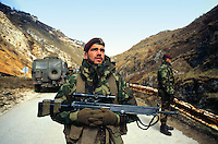 - NATO intervention in Bosnia-Herzegovina, Italian parachutist in patrol on the Sarajevo - Pale road<br /> <br /> - intervento NATO in Bosnia-Herzegovina, paracadutista italiano in pattuglia sulla strada Sarajevo - Pale