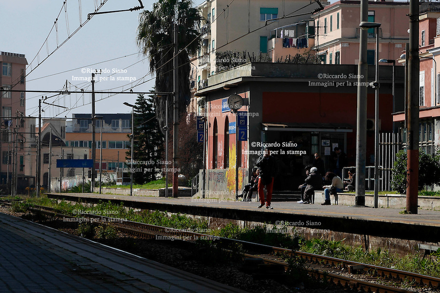 - NAPOLI 18 MAR  2014 - Bagnoli  stazione metropolitana