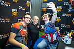 © Joel Goodman - 07973 332324. 30/07/2017 . Manchester , UK . Fans pose with actor Warwick Davis . Cosplayers, families and guests at Comic Con at the Manchester Central Convention Centre . Photo credit : Joel Goodman