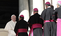 Papa Francesco saluta alcuni prelati al termine dell'udienza generale del mercoledi' in Piazza San Pietro, Citta' del Vaticano, 4 ottobre, 2017.<br /> Pope Francis greets some prelates at the end of his weekly general audience in St. Peter's Square at the Vatican, on October 11, 2017.<br /> UPDATE IMAGES PRESS/Isabella Bonotto<br /> <br /> STRICTLY ONLY FOR EDITORIAL USE