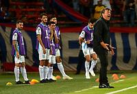 MEDELLIN-COLOMBIA, 18-02-2020: Ricardo Alberto Zielinski, técnico de Club Atletico Tucuman (ARG), durante entre Deportivo Independiente Medellin (COL) y Club Atletico Tucuman (ARG), por la Copa Conmebol Libertadores 2020 en el estadio Atanasio Girardot de la ciudad de Medellin. / Ricardo Alberto Zielinski,, coach of Club Atletico Tucuman (ARG), during a match between Deportivo Independiente Medellin (COL) and Club Atletico Tucuman (ARG), for the Copa Conmebol Libertadores 2020 at the Atanasio Girardot stadium in Medellin city. / Photo: VizzorImage  / Leon  Monsalve / Cont.